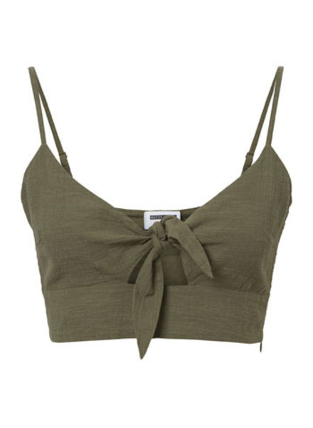 NOISY MAY NMNAS CROPPED TOP 3