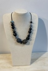 Tigress Sweet black and pattern bead necklace