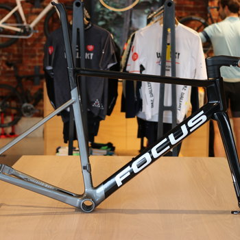 FOCUS Izalco Max 9 Series Frameset Only Black/Grey