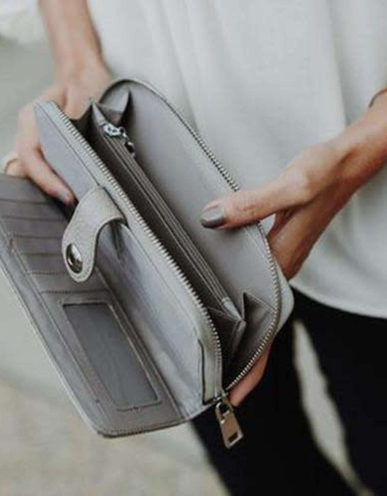 - Camel Checkbook Wallet