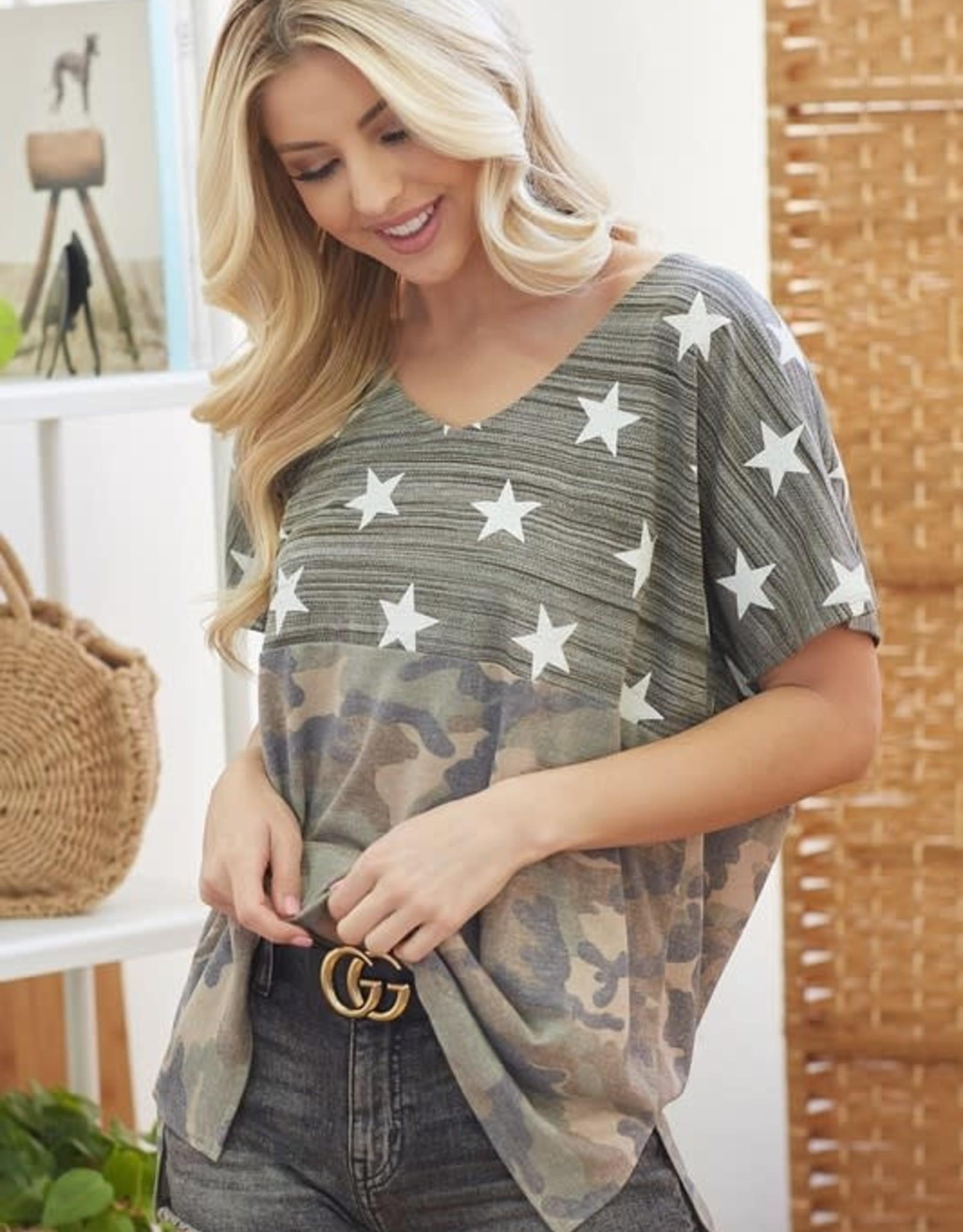 - Green Camo & Star Print Short Sleeve Top