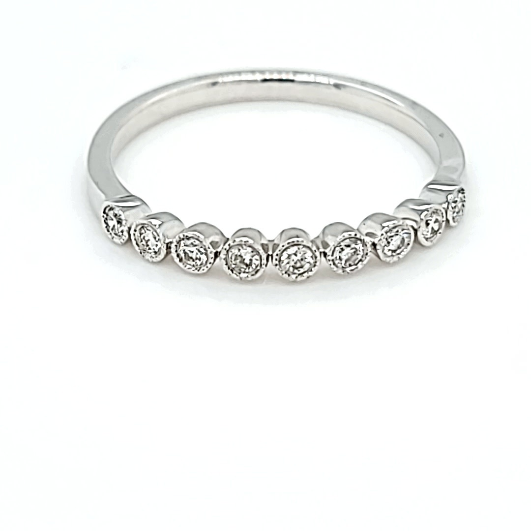 18KW Diamond Stackable Ring 0.14CTTW