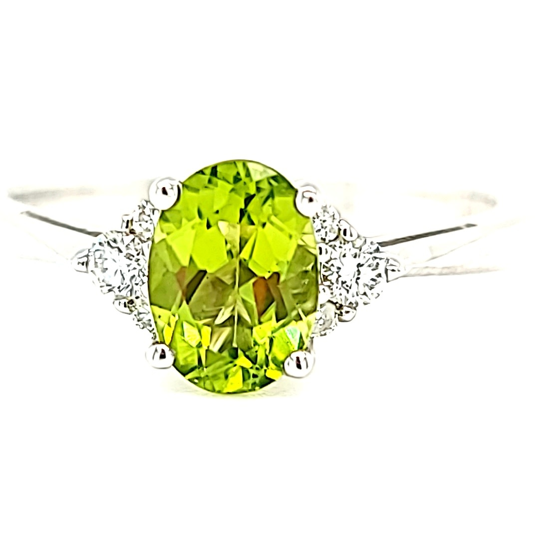 14KW Oval Peridot Ring With Diamond Accents