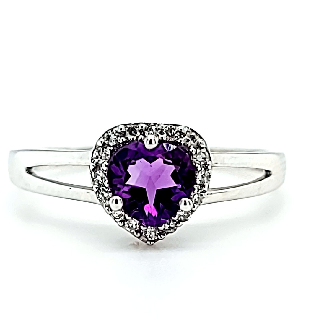 14KW Heart Amethyst Fashion Halo Ring