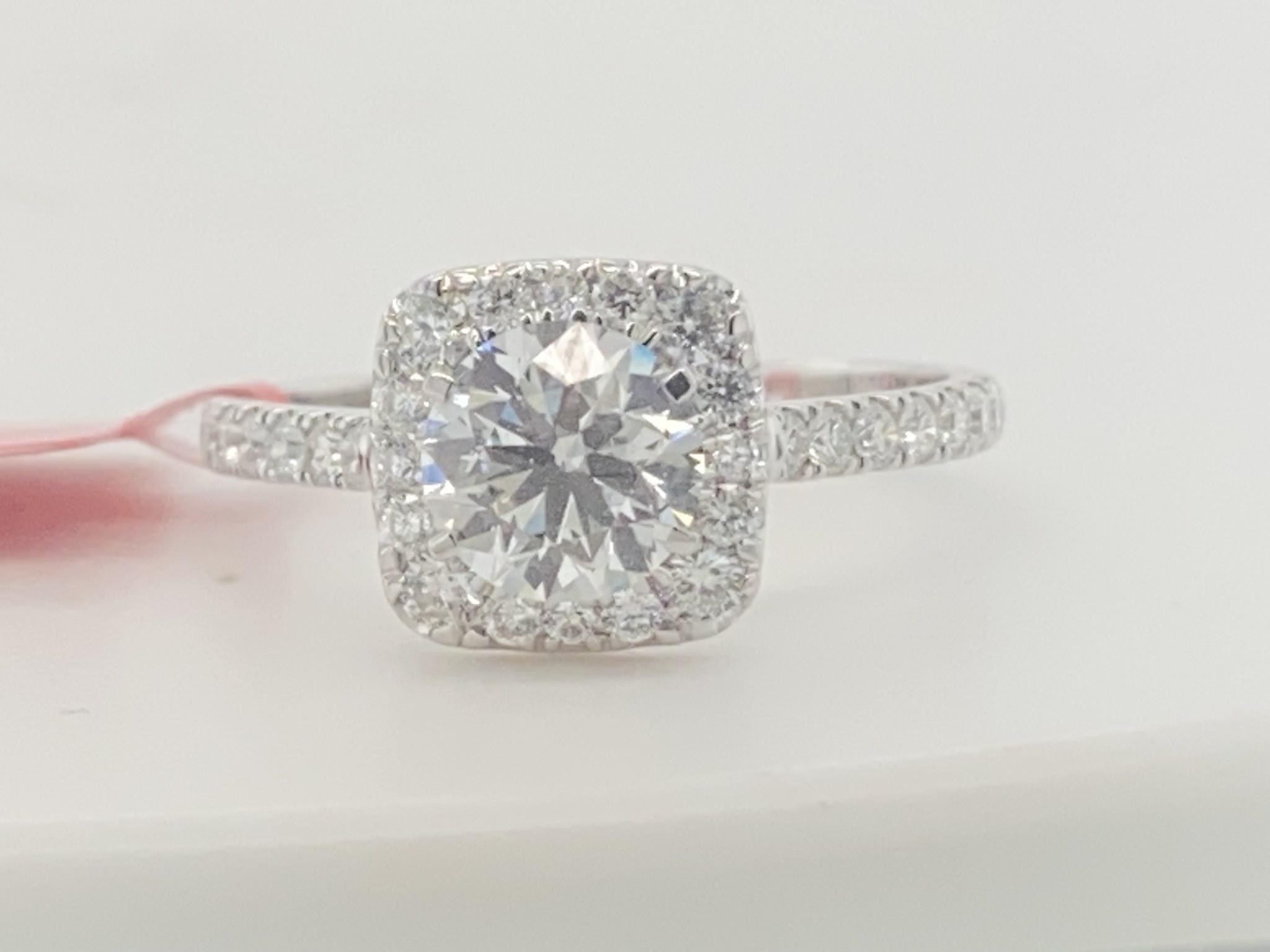 14KW 1.45TW LG Diamond Engagement Ring