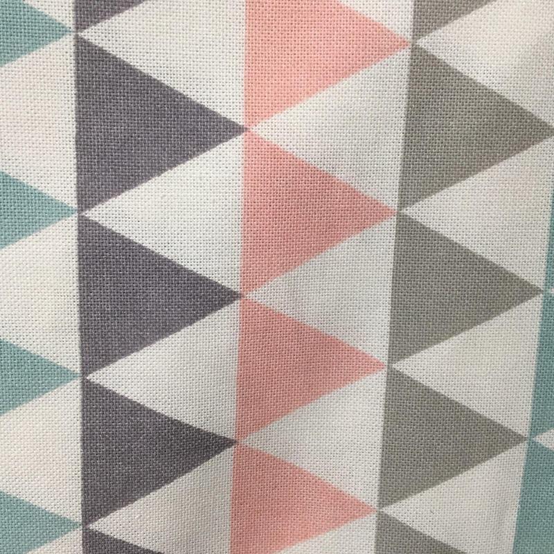 Nappe Chêne Sasseville Triangle Gris, Turquoise et Rose