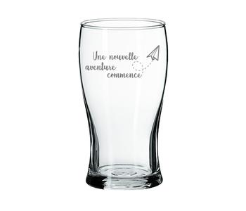 """Verre à bière """"Une nouvelle aventure commence"""""""