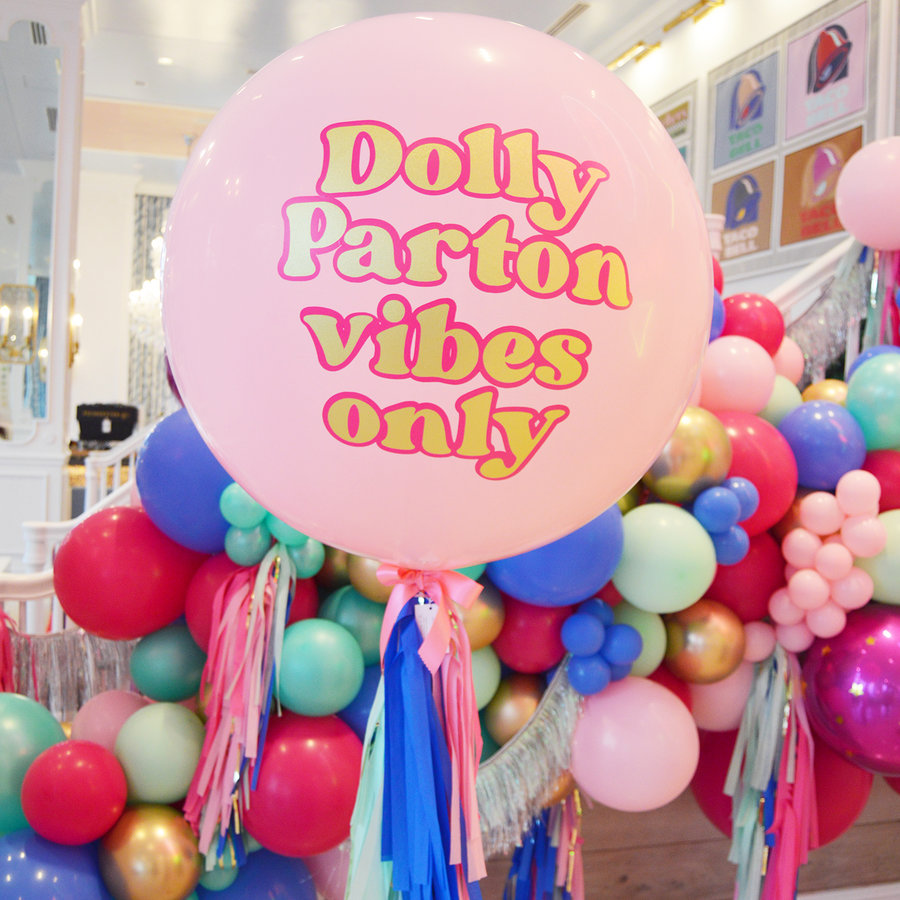 WE LOVE DOLLY