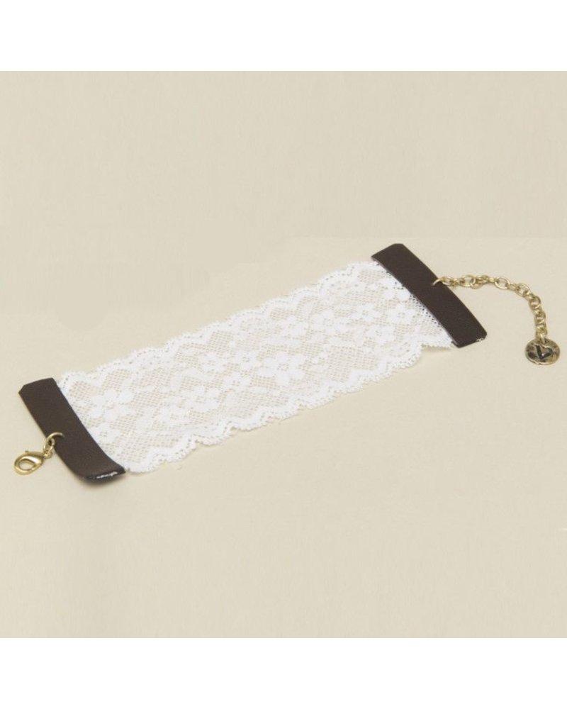 Cuff Bracelet In Lace Black Or White