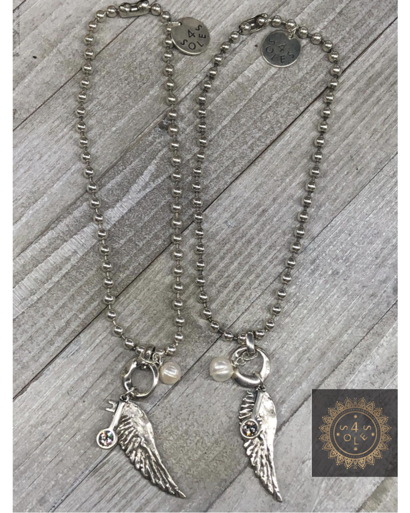 Angel 4 Soles necklace