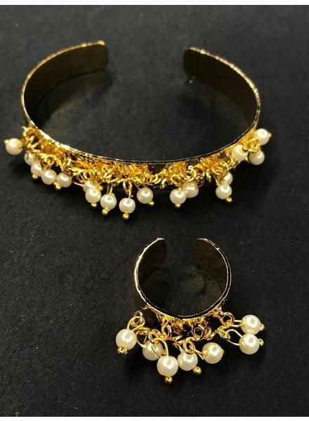 Set of Perls cuff and ring
