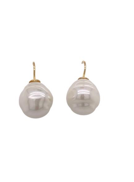white pearl Gold earring