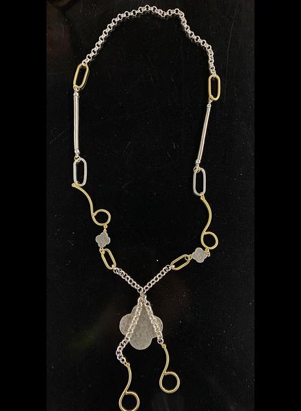 necklace with trebol