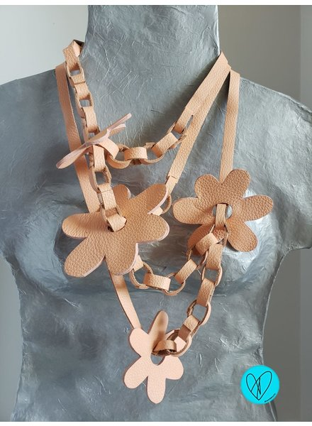 Flower Leather Necklace salmon