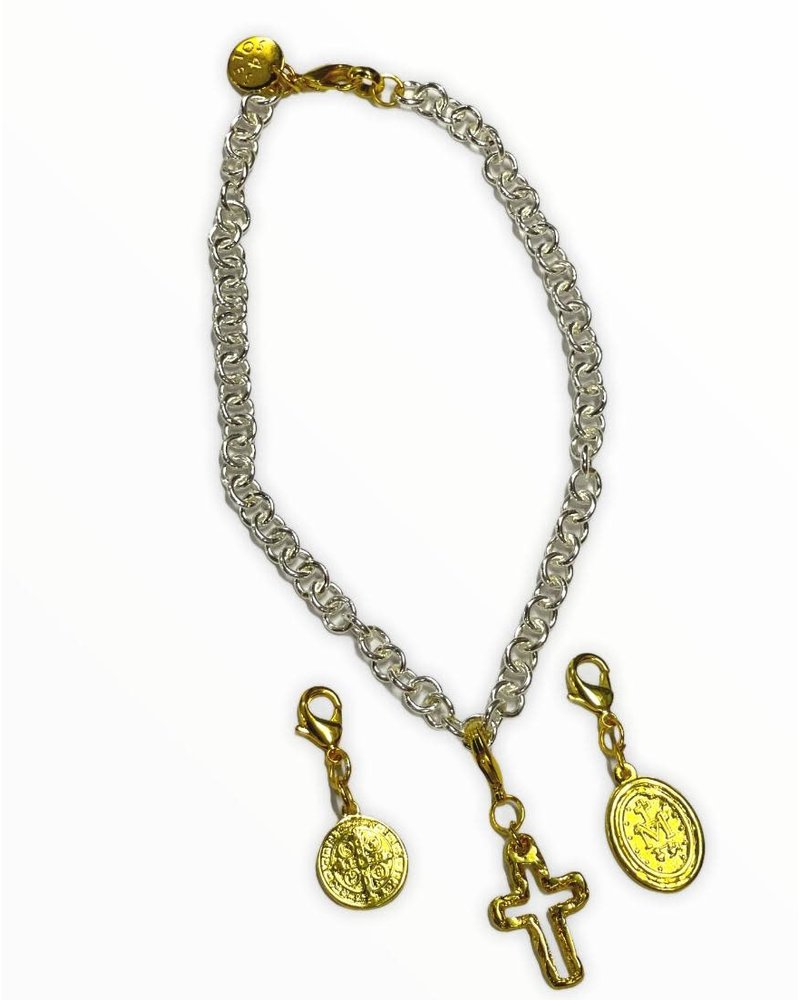 4 Soles Silver Chain with 3 Religious Charm