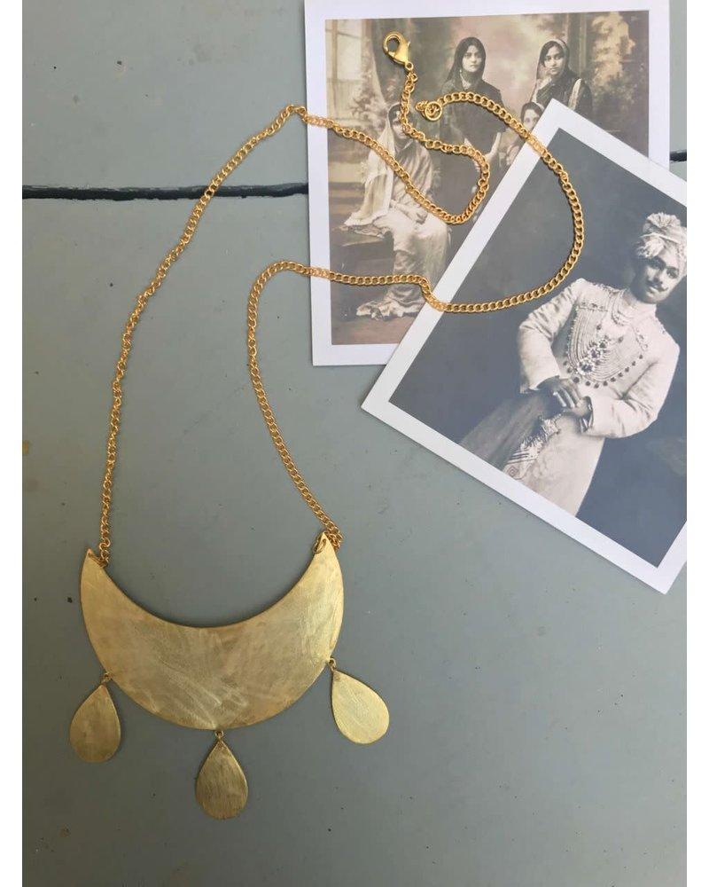 Half Moon necklace by 4 Soles