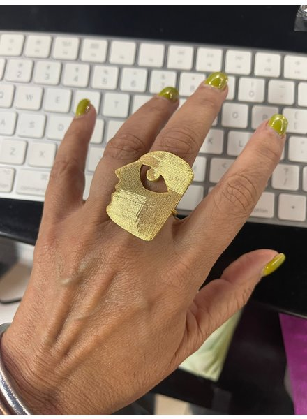 Abstract Ring by 4 soles
