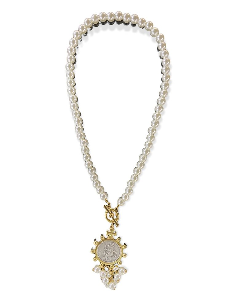 Pearl With Medal Necklace