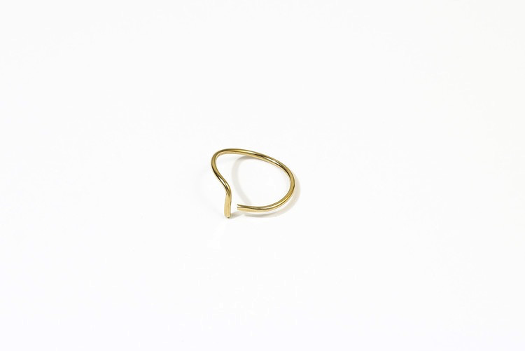 Hammered L Ring Gold size 6