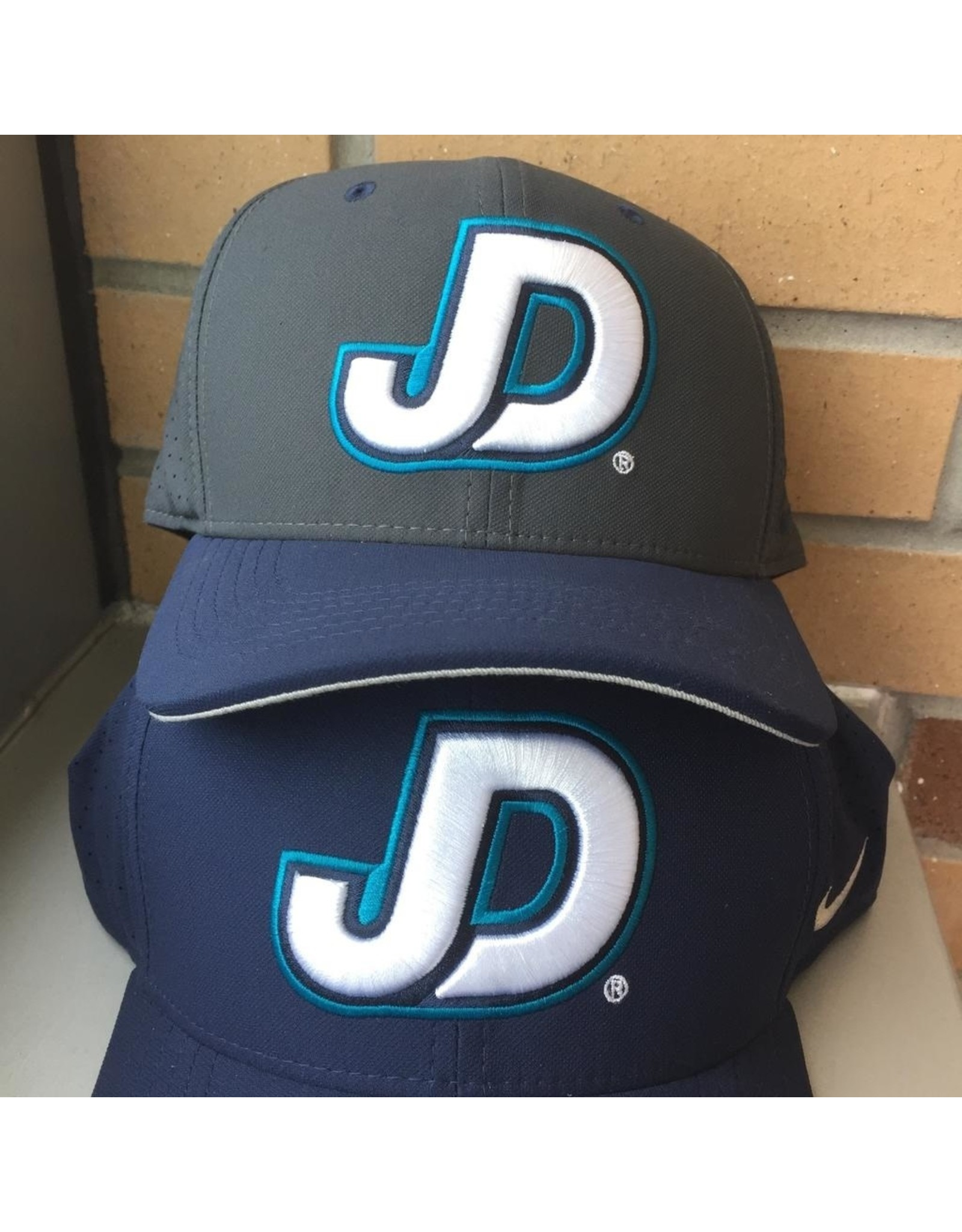 NON-UNIFORM Cap - Fitted Nike JD logo with cross on back