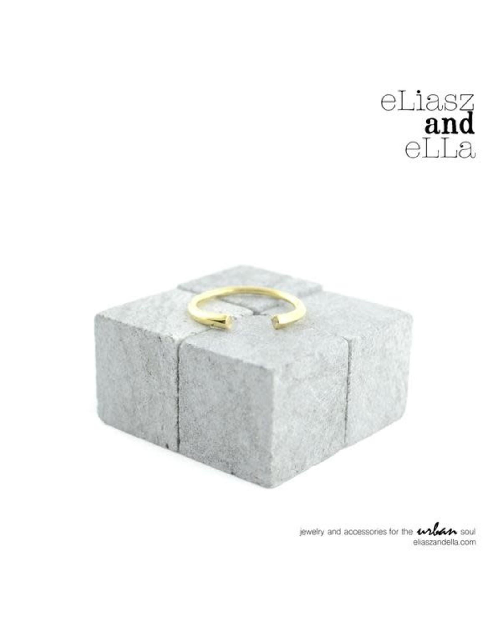 eLiasz and eLLa RisQue Ring
