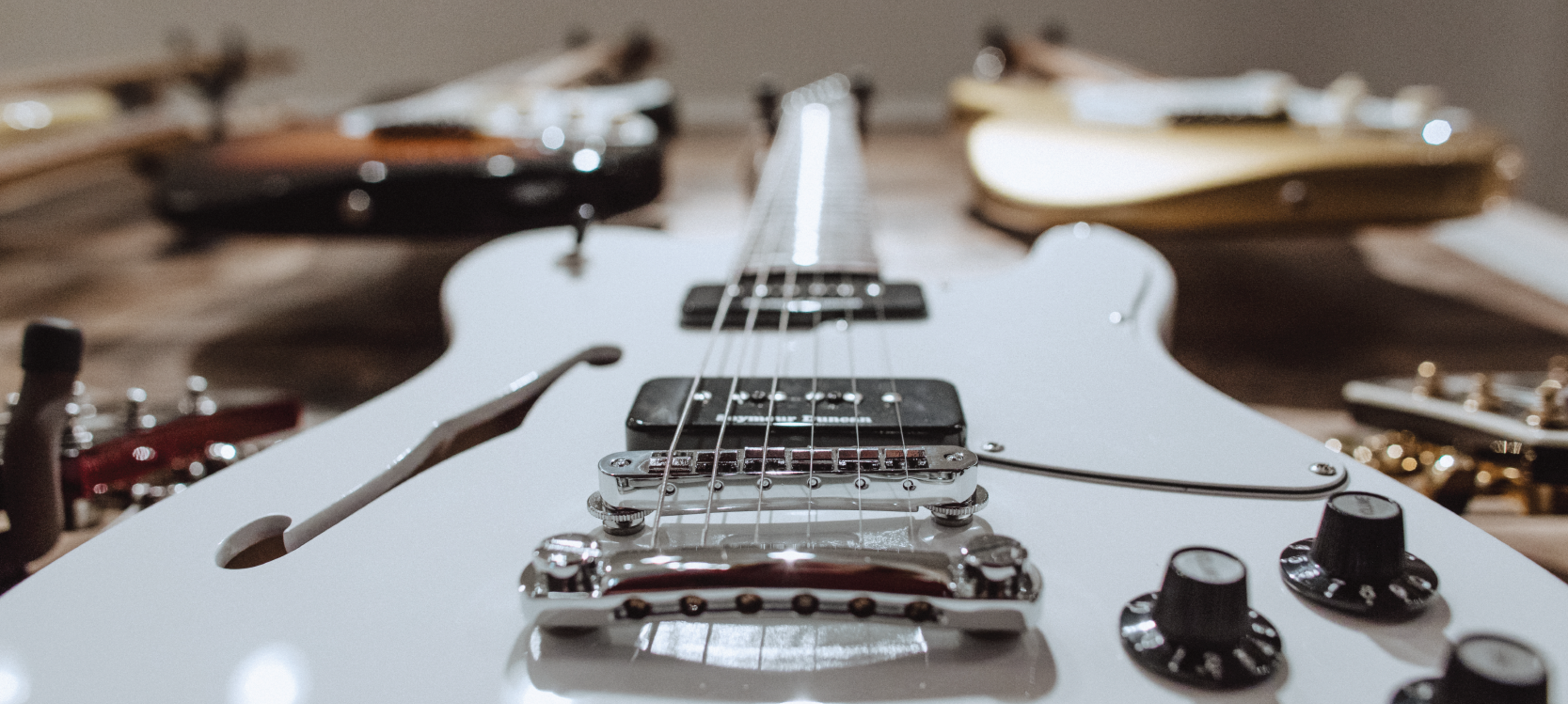 What Makes An Electric Guitar Sound The Way It Does?