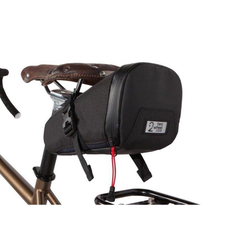 Two Wheel Gear TWO WHEEL GEAR COMMUTE SEAT PACK 1.5L - BLACK