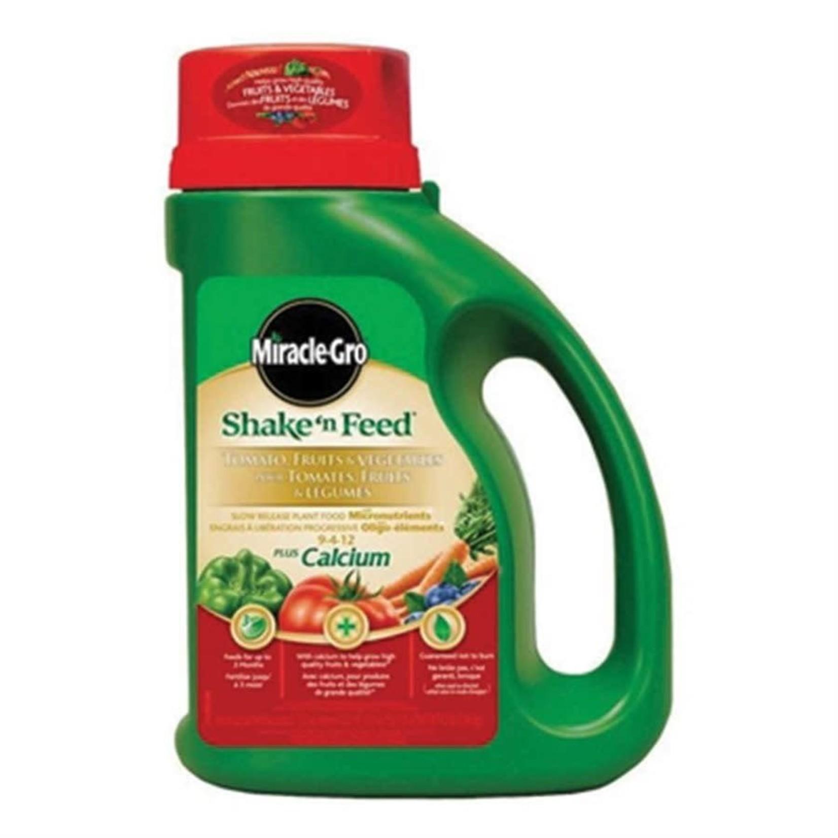 Miracle-Gro Shake 'n Feed Tomato Fruit Veg 18-18-21, 2.04kg