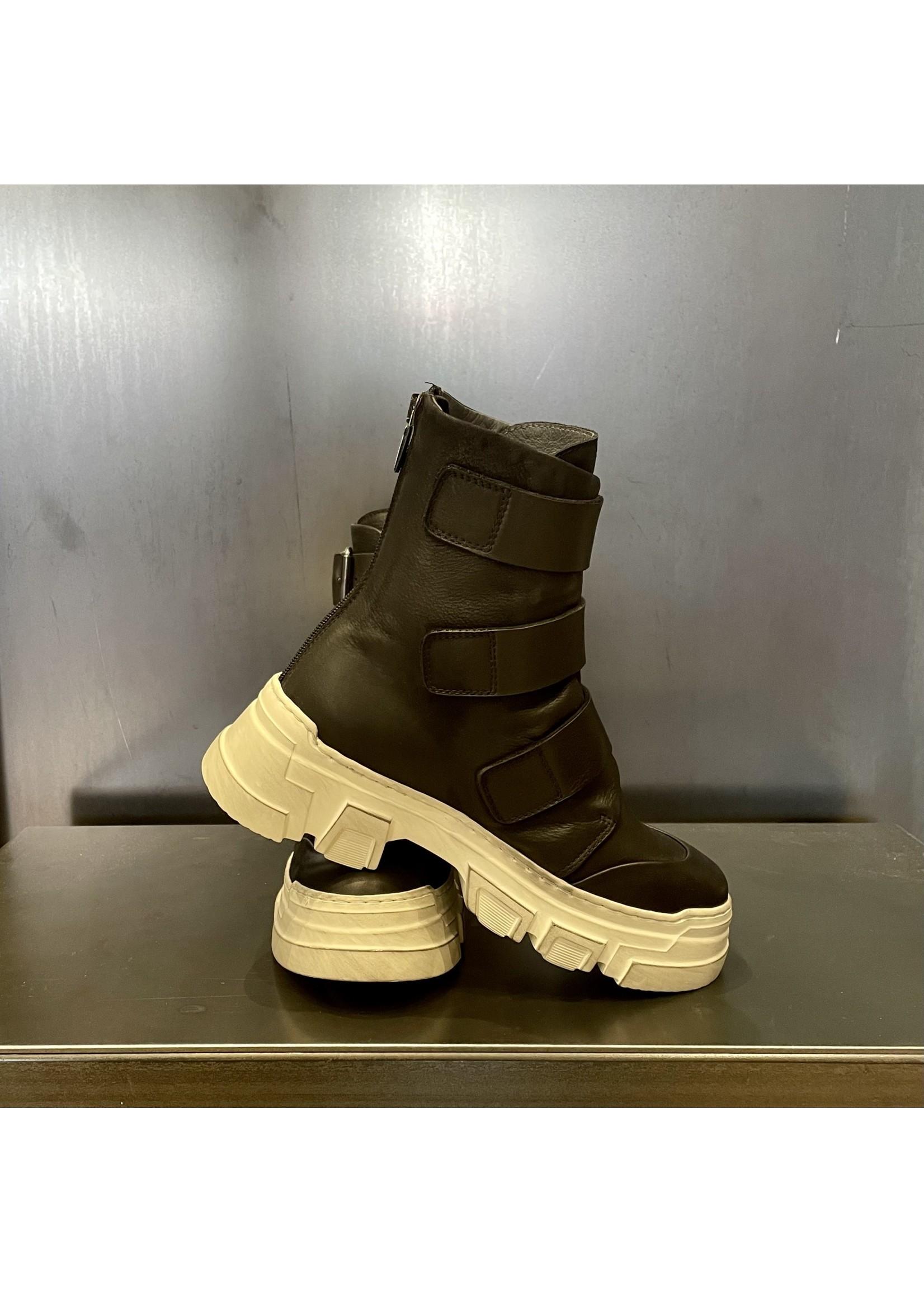 Lofina Lofina 3 Buckle Boot