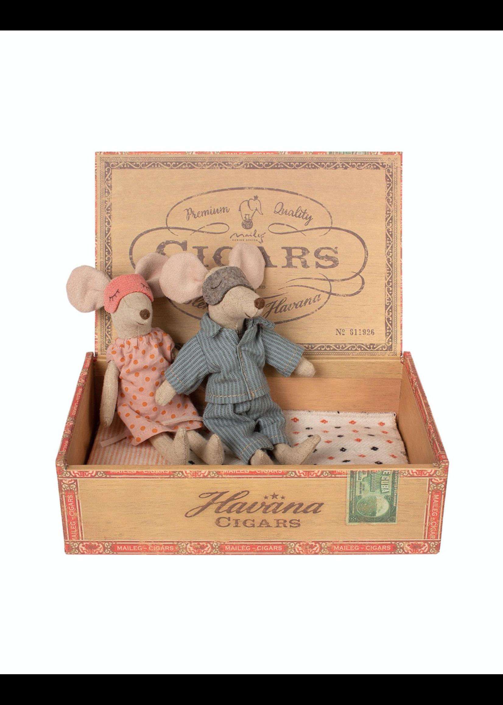 Maileg Maileg, Mum & Dad Mice in Cigar Box