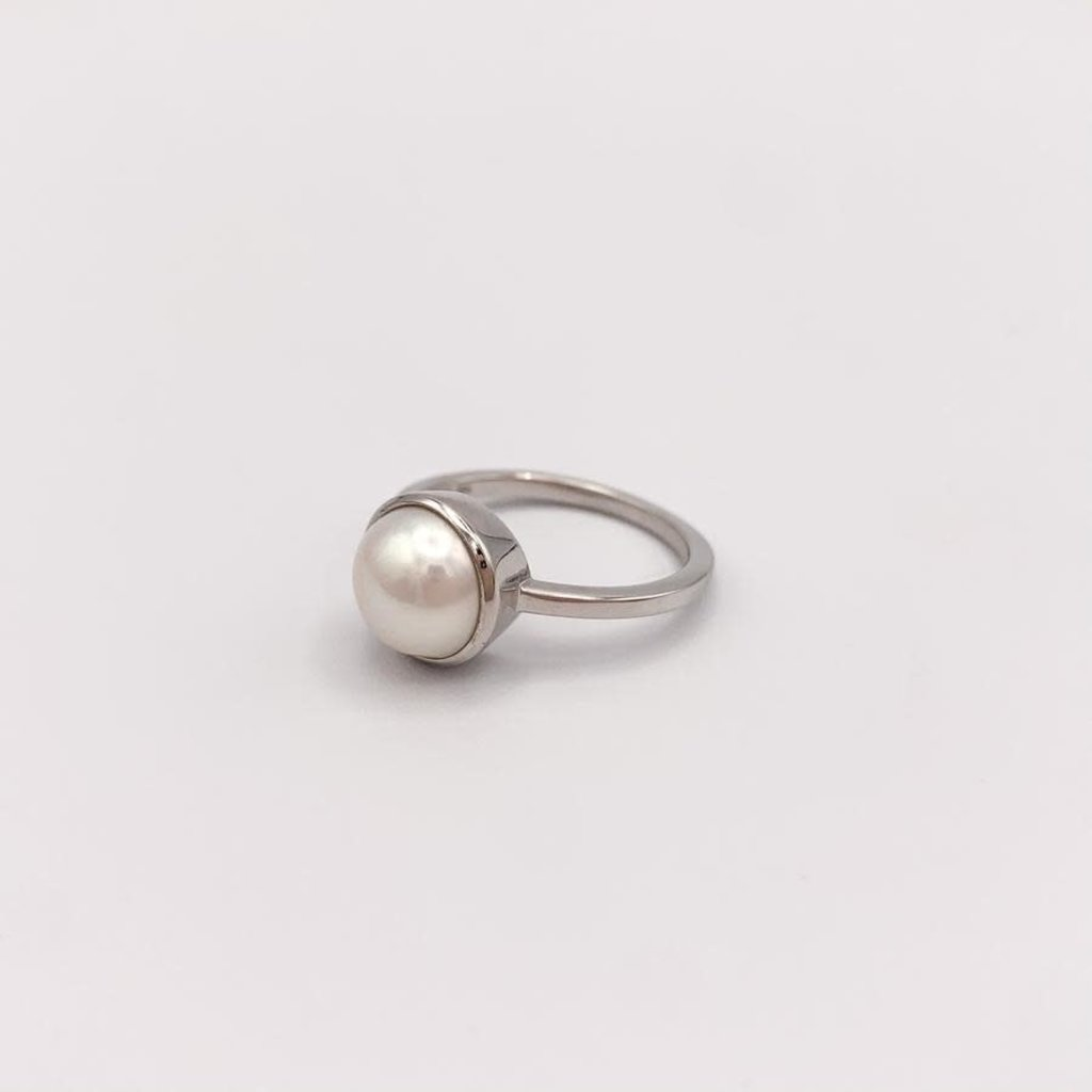 JBA. Silver Pearl Hermosa Ring