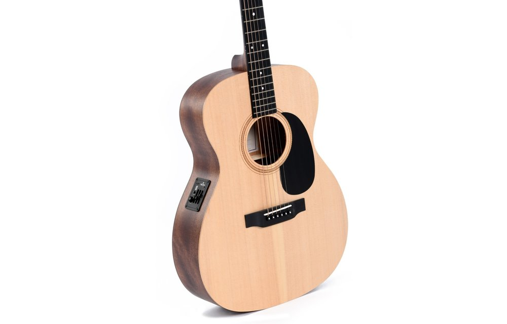 Sigma 000ME Spruce/Mahogany Electric Acoustic Guitar