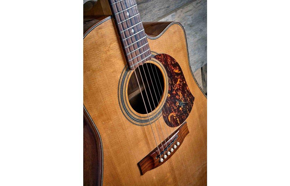 "Maton EA80C ""Australian"" Dreadnought Electric Acoustic Guitar 2009"