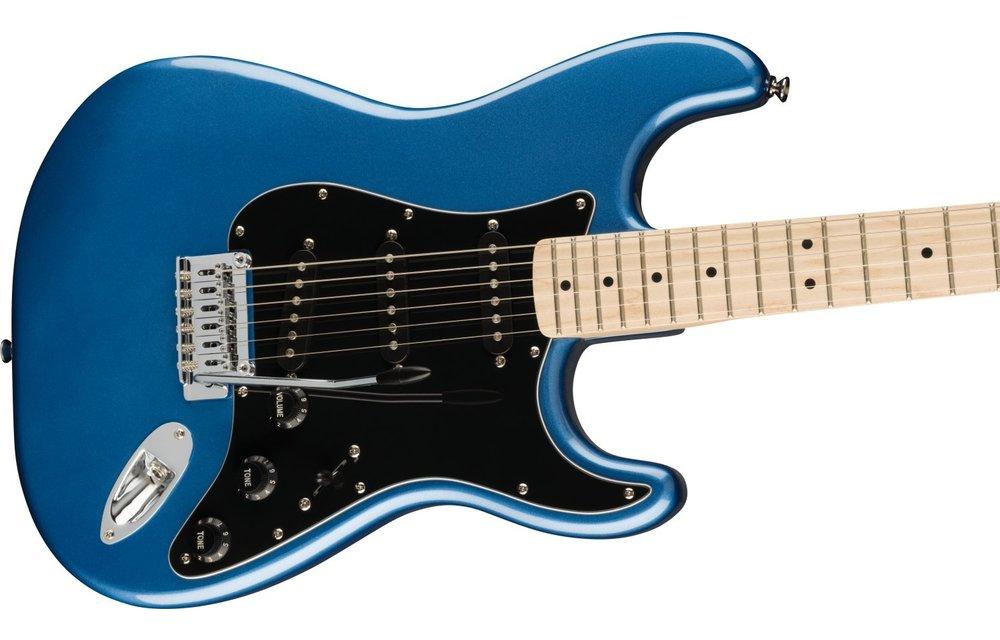 Squier Affinity Series Stratocaster, Maple Fingerboard, Black Pickguard, Lake Placid Blue