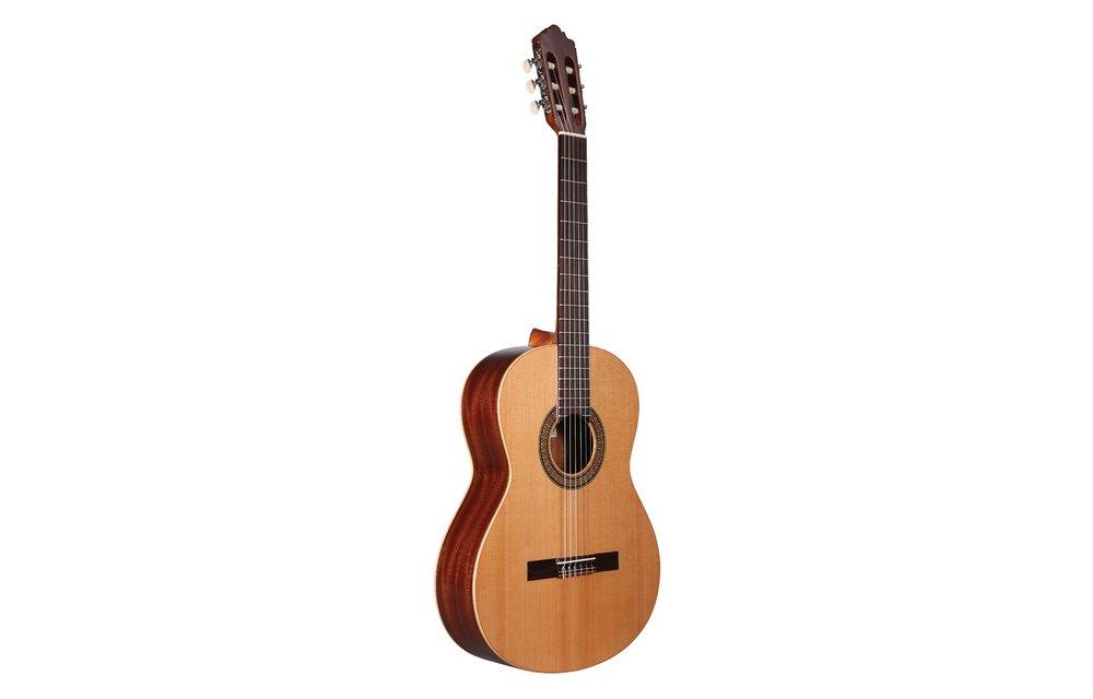 Altamira N100: Solid Cedar/Mahogany Classical Guitar, Gloss Finish