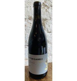 Hatton Daniels Hatton Daniels Sangiacomo Roberts Road Vineyard Pinot Noir, Sonoma County 2017