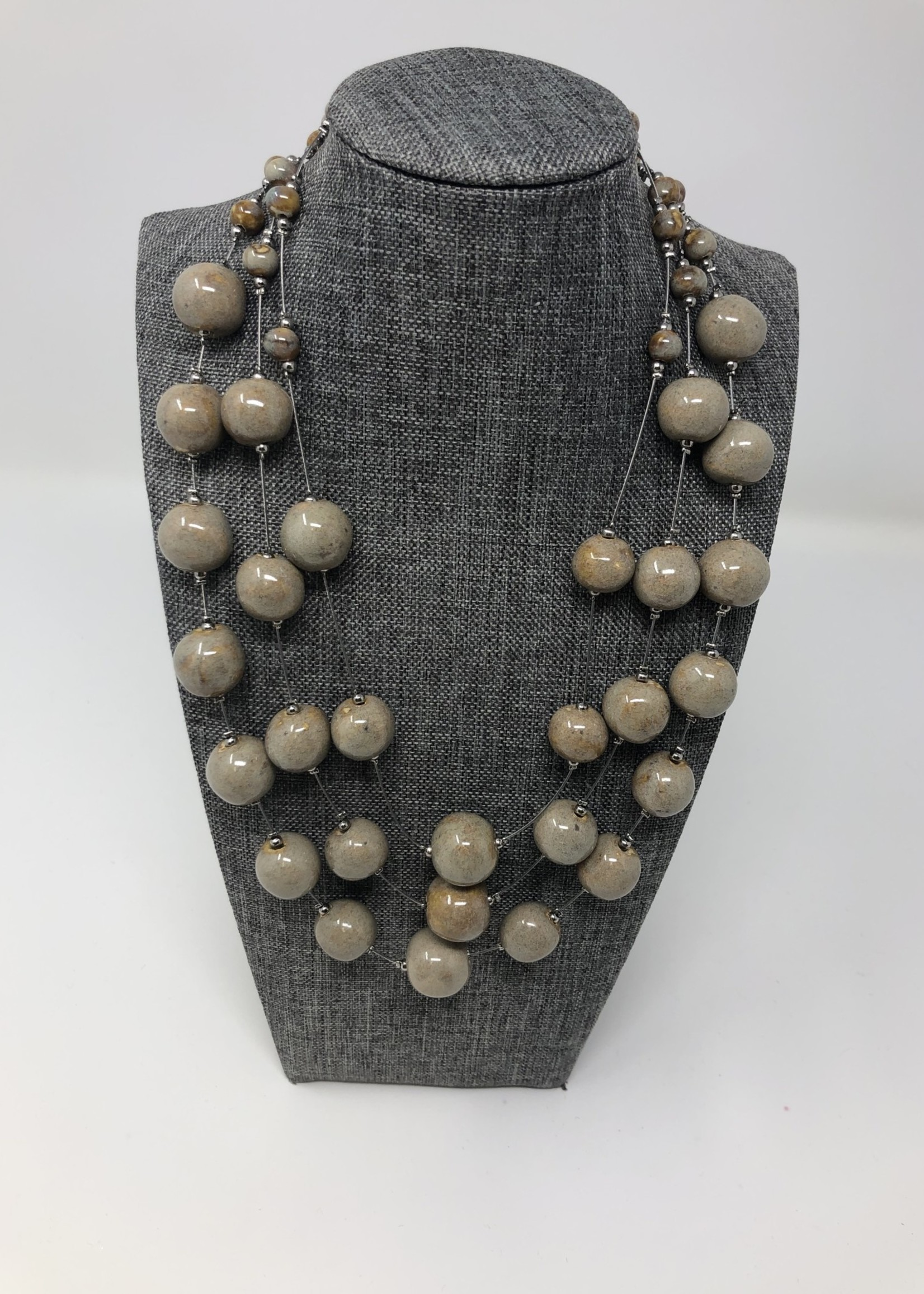 SKC 3 TIERED BEADED NECKLACE