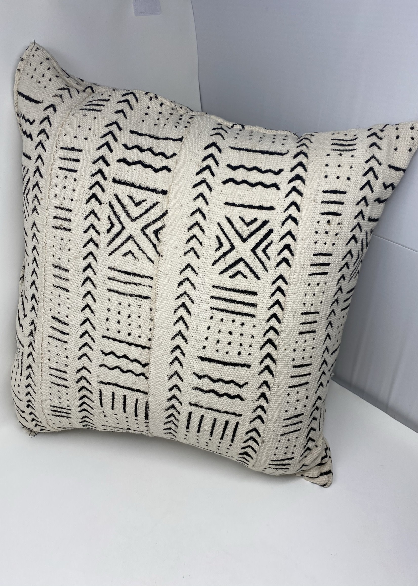 SKC MUDCLOTH THROW PILLOW (Single side)