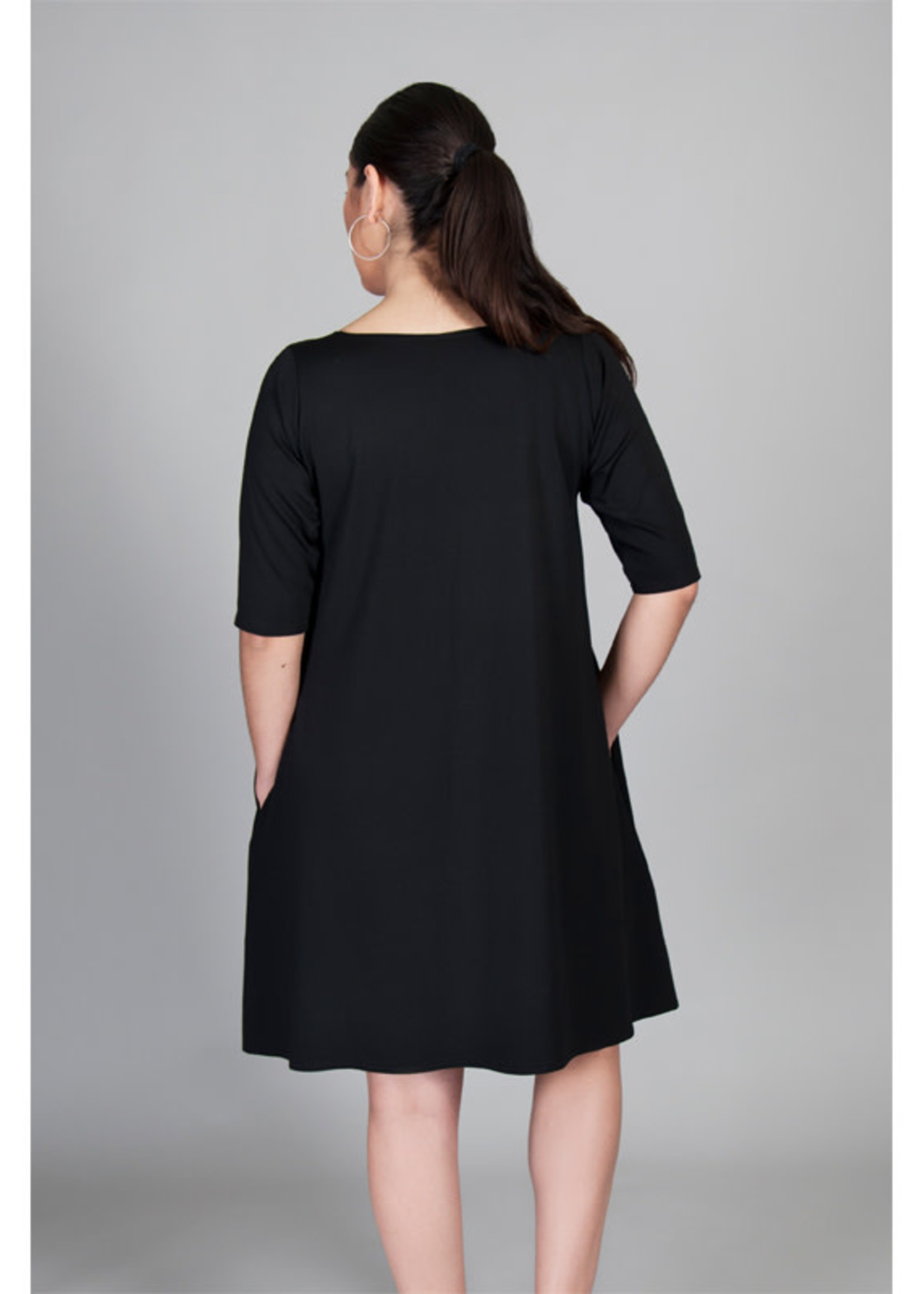 SARAH KUENYEFU VIVI DRESS -MID LENGTH SLEEVES