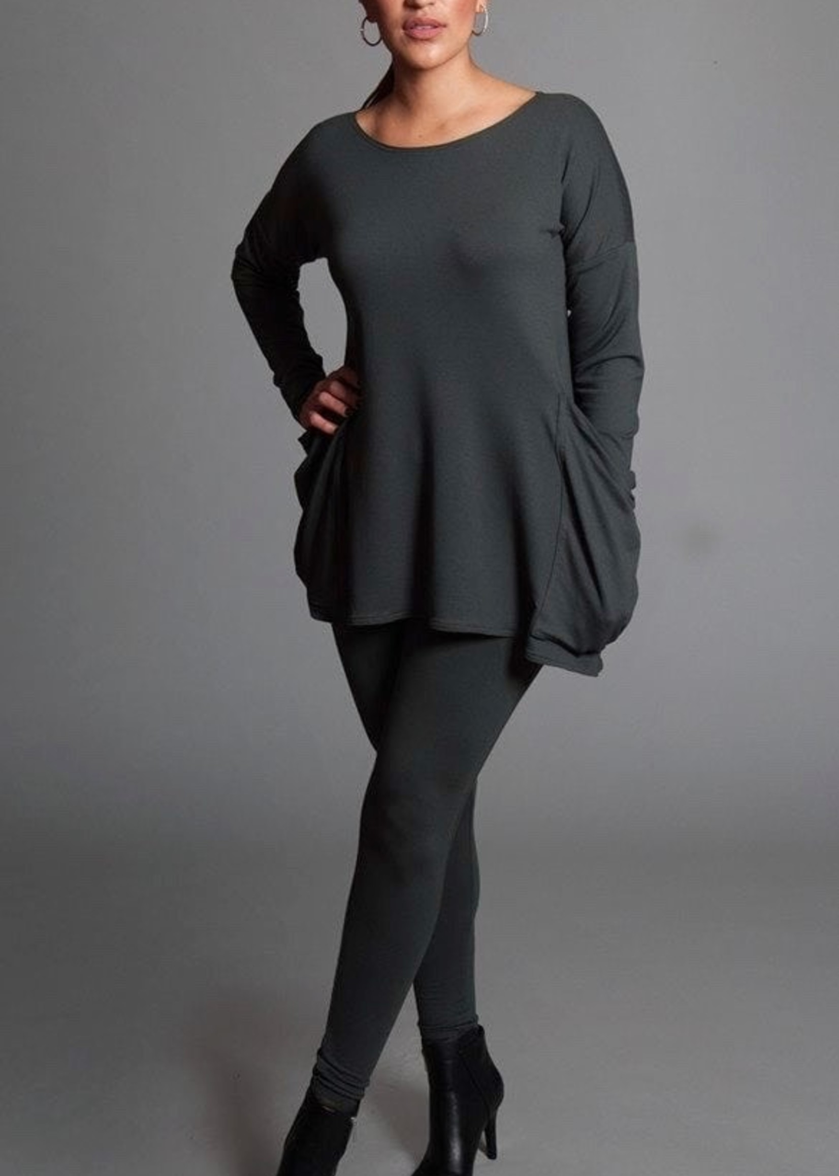 SARAH KUENYEFU POCKET TUNIC BAMBOO KNIT