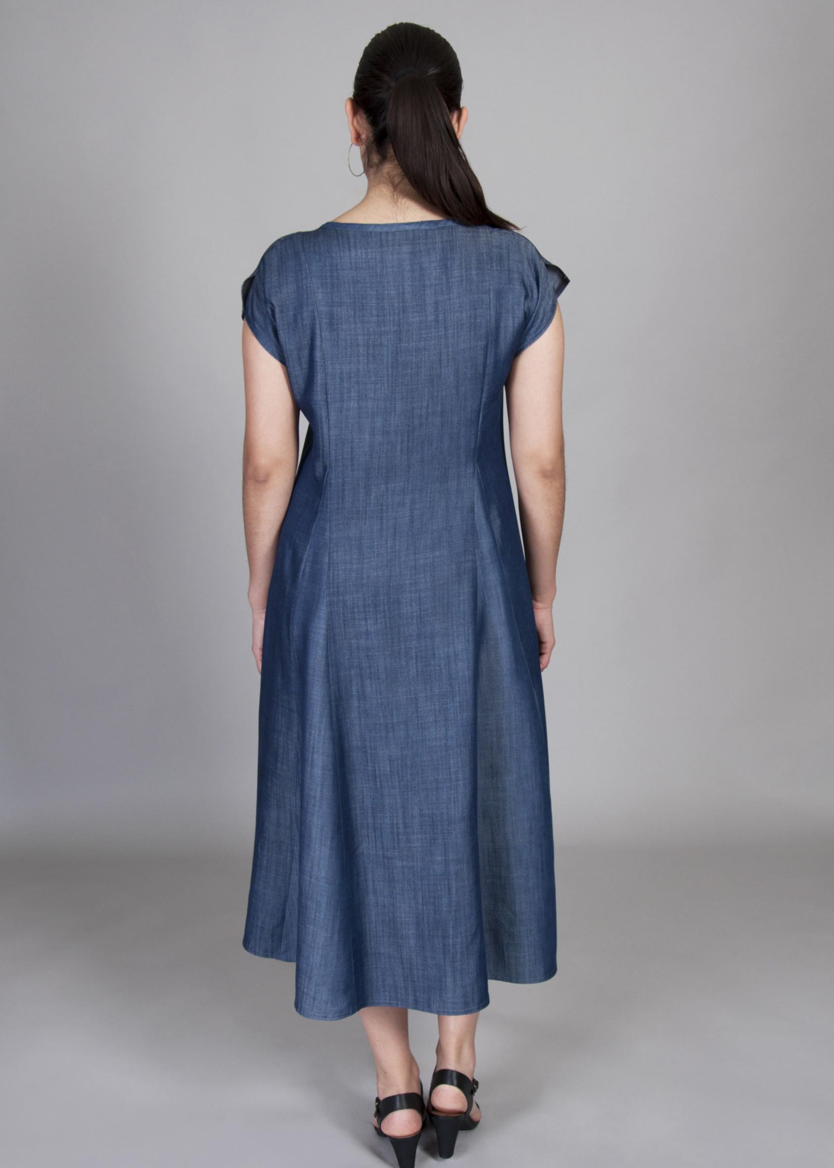 SARAH KUENYEFU MID-LENGTH INSERT TENCEL DRESS
