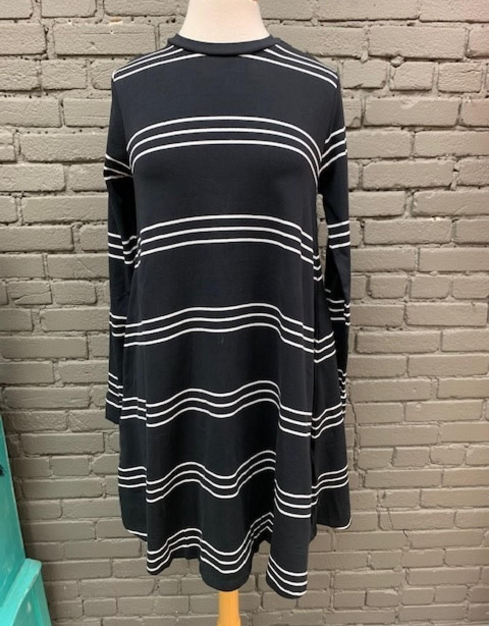 Dress Sia Swing Dress