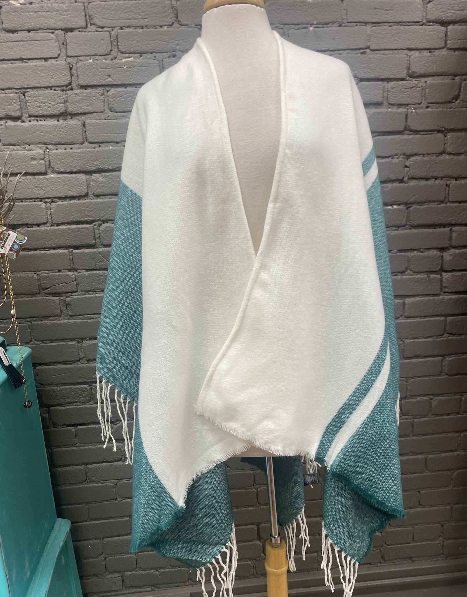 Top Iris green&white shawl