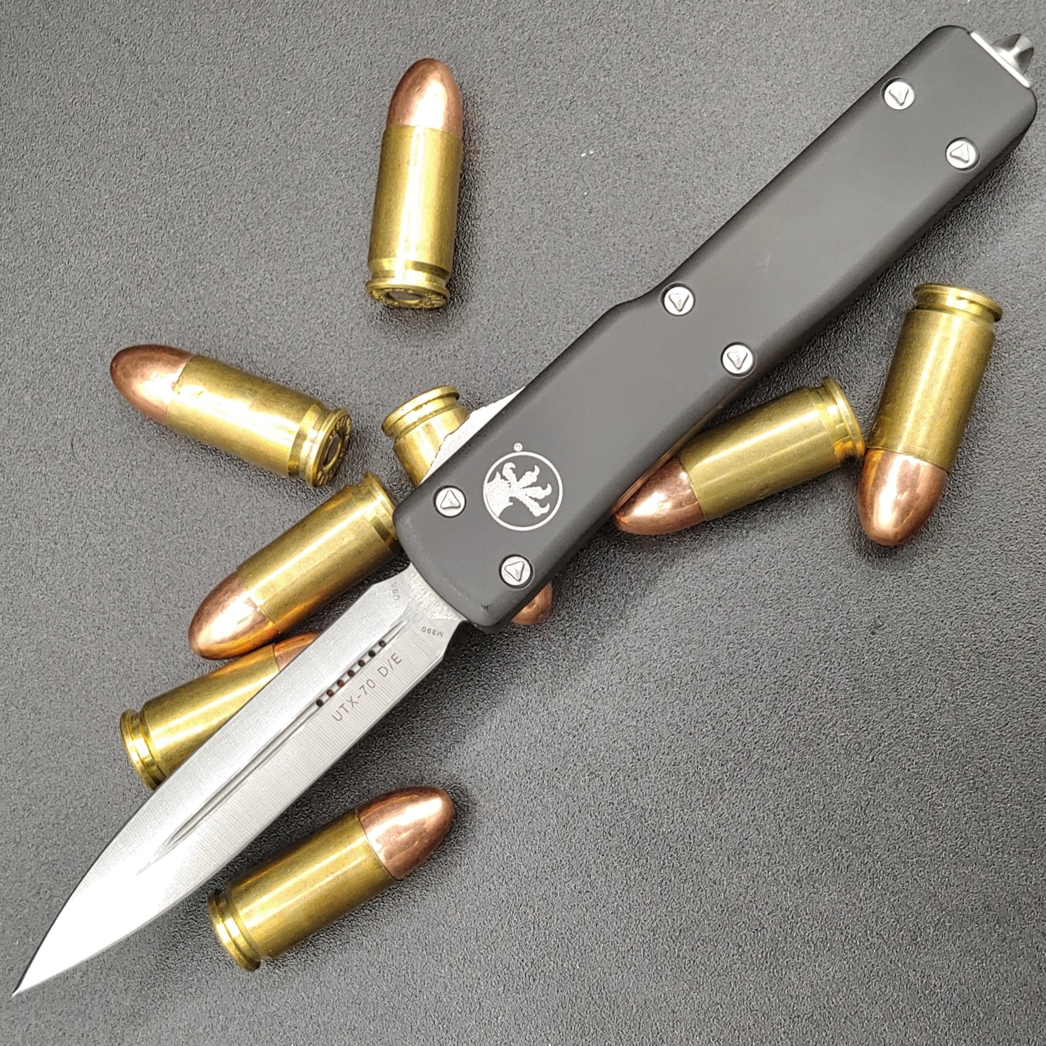 Microtech UTX-70, blade - double edge apocalyptic