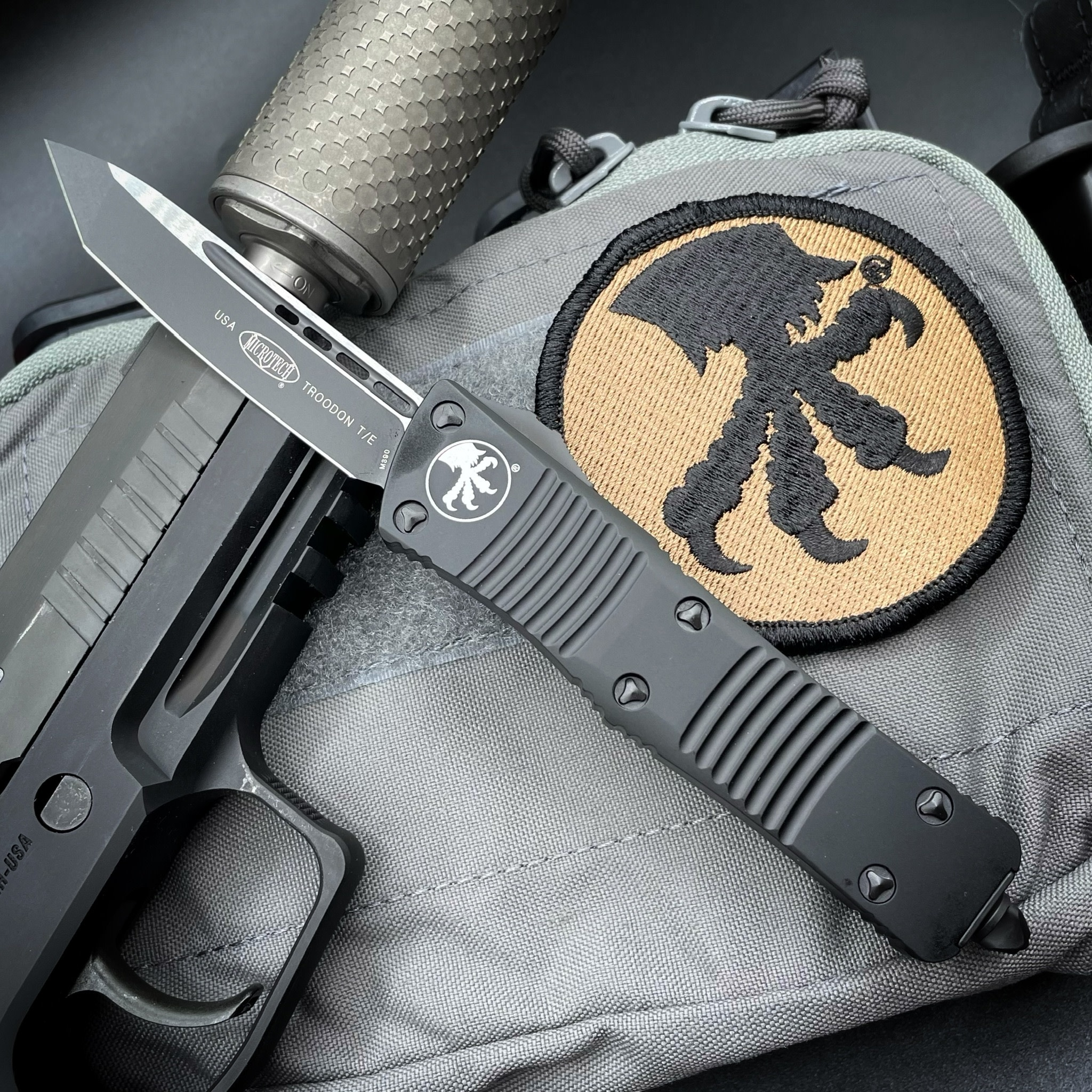 Microtech TROODON, black tactical, blade - single edge, standard