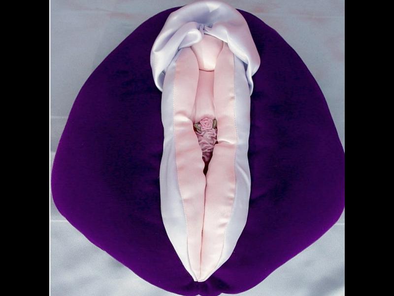 House O' Chicks Wondrous Vulva Puppet