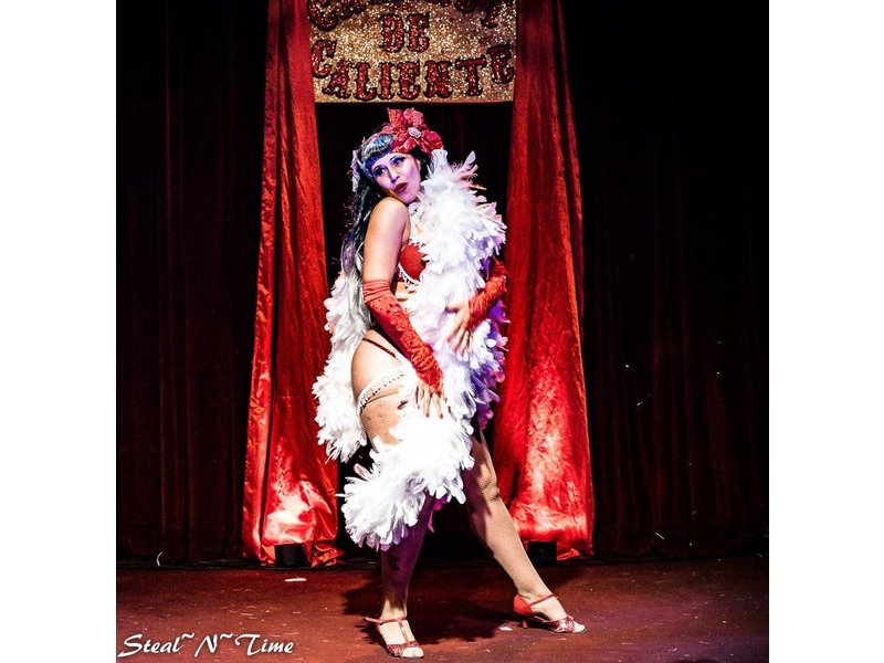 Babelicious Boa Burlesque with Eva D'Luscious