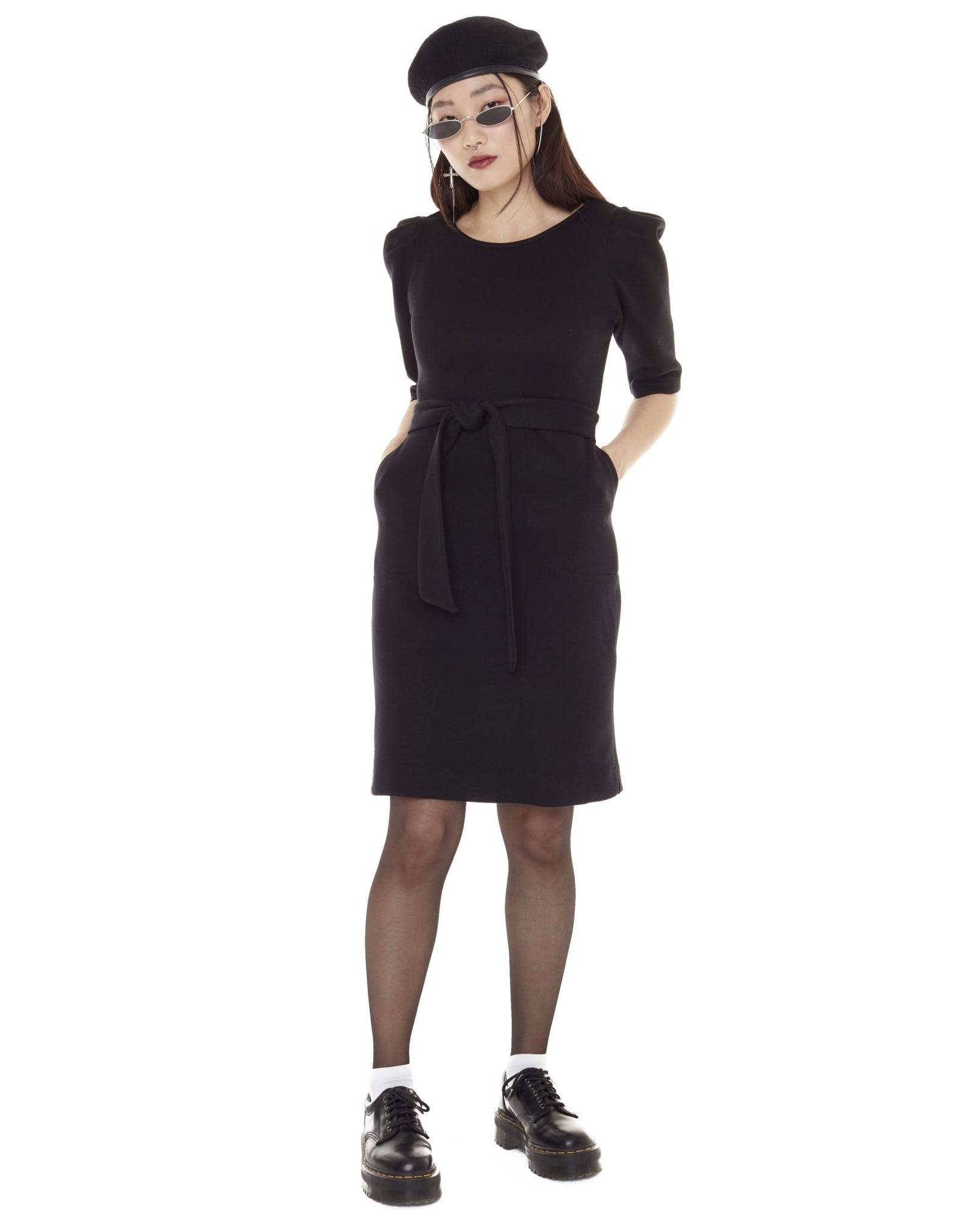 Annie 50 Fashion victim