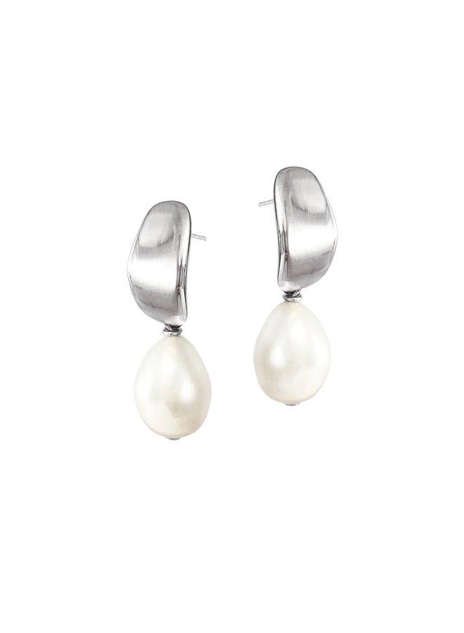 Mirage pearl studs E218