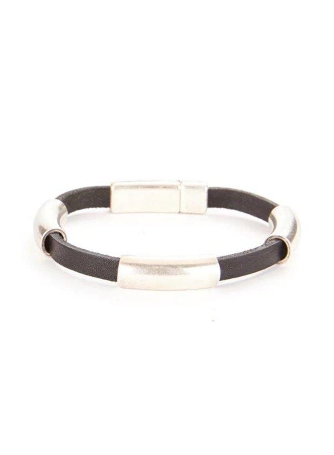 Avel Leather Cuff B643